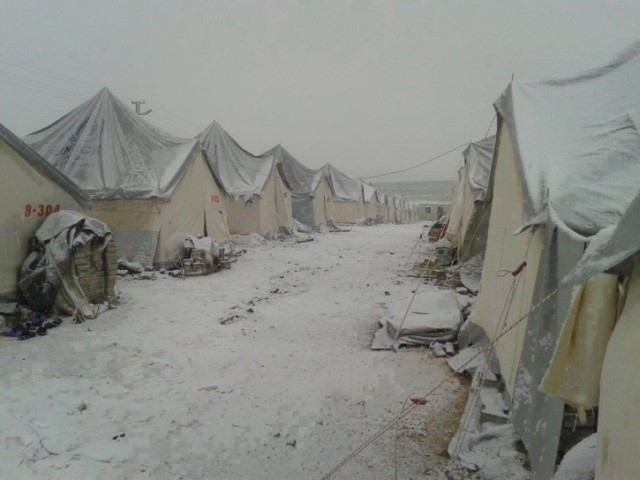 zaatari camp snow